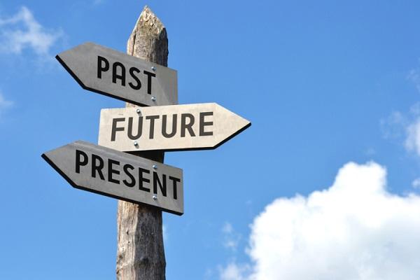 Passato, presente e futuro; costruiamo noi stessi.
